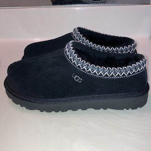 BRAND NEW! Women's Black UGG Tasman Slippers!!